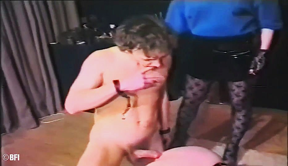 Erotic Pictures Wife morning bathroom anal play